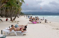 Philippines temporarily closes tourist destination Boracay