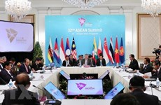 PM attends plenary of ASEAN Summit