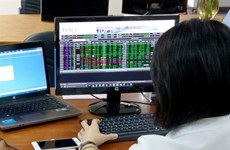 VN-Index slightly rises to stand at 1,026.8 points