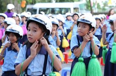 Grade-1 pupils to be presented helmets