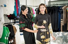 Beauty contest honouring ao dai held in Paris