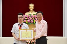 Quang Ninh: APhO bronze medalist commended