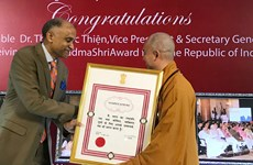 Most Venerable Thich Duc Thien receives India's noble award