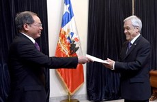 Chilean President lauds Vietnam's economic achievements