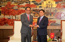 Micronesian top legislator visits Hai Phong