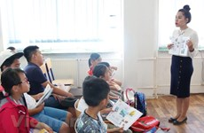 Summer Vietnamese course opens in Prague