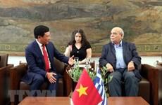 Deputy PM Pham Binh Minh meets Greece's parliamentary leaders