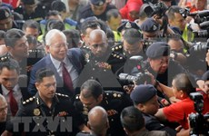 Supporters raise funds for former Malaysian PM's bail