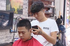 Fans enjoy World Cup with special haircuts