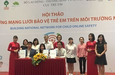 Microsoft helps Vietnam protect children in cyberspace