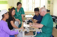 US volunteer doctors offer free health checkups to Cao Bang's poor
