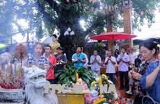 Vietnamese celebrate Buddhist Vu Lan Festival in Laos, India