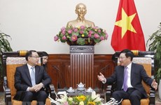 Deputy PM hosts mayor of Chinese province