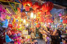 Lantern crafting village busy before Mid-Autumn Festival