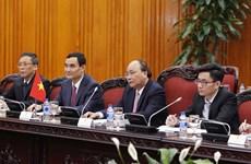 PM Nguyen Xuan Phuc hosts Lao Front leader