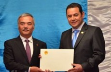 Guatemala President praises Vietnam's role in Asia-Pacific