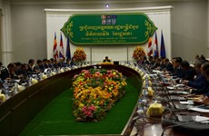 New Cambodian Government holds first meeting