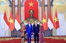 President hosts welcome ceremony for Indonesian counterpart