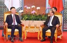 PM Nguyen Xuan Phuc receives WEF Executive Chairman