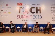 Tech conference gazes into crystal ball