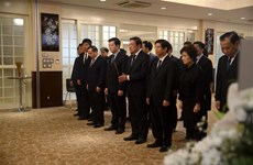 Vietnam Embassy in Japan pays respect to President Tran Dai Quang