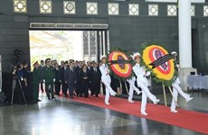 1,500 delegations pay tribute to President Tran Dai Quang