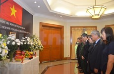 Vietnam Embassy in Indonesia opens condolences book for President Quang