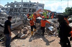 Indonesia: quake-tsunami death toll reaches 1,407