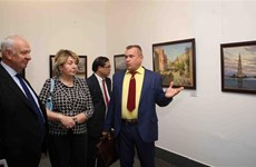 Painting exhibition featuring Russian landscape opens in Hanoi