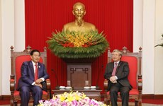 Senior CPV official receives Vientiane delegation