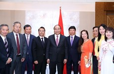 PM urges Vietnamese expatriates in Europe to promote solidarity