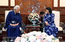 Acting President receives Japanese grand tea master