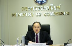 Thai commercial representatives evaluate trade situations worldwide