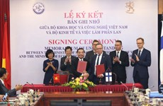 Vietnam, Finland step up science-technology-innovation cooperation
