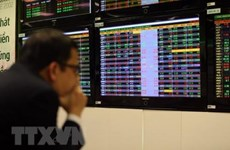 Vietnamese stocks stay in red from selling pressure