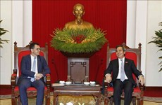 Party official hosts Romanian trade minister