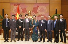 NA Vice Chairwoman receives Japanese health experts
