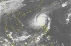 Thousands evacuated as Typhoon Yutu strikes Philippines