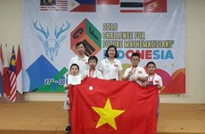 Hanoi students win big at 2018 Challenge for Future Mathematicians