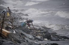 Typhoon Yutu kills five, buries over 30 people in Philippines