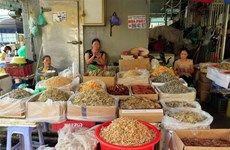 Hanoi: Traditional market renovation still face challenges