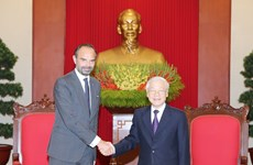 Party and State leader receives French Prime Minister