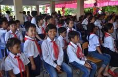Vietnamese-Cambodian children in Phnom Penh start new school year