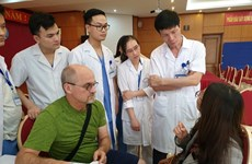 US experts provide plastic surgery for Vietnamese patients