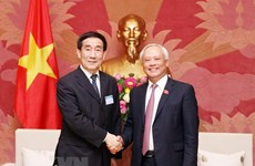 Vietnam, China to increase sharing legislative experience