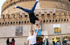 Vietnamese acrobatic brothers seek Guinness record