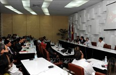Vietnamese, Cuban parties' theoretical symposium concludes