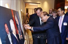 Photo exhibition highlights Vietnam-Russia traditional ties