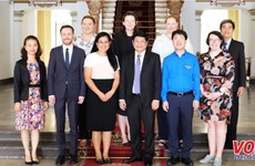 HCM City's official receives Australian delegation