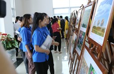 ASEAN photo, documentary exhibition opens in Hoa Binh